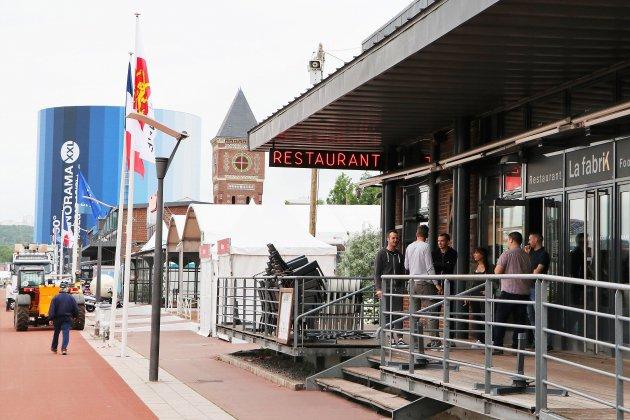 Les restaurateurs des quais de Rouen sont prêts pour l'Armada