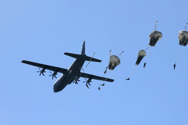 D-Day :mille parachutages à Sainte-Mère-Eglise, circulation et stationnement