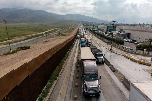 Accord entre Etats-Unis et Mexique sur l'immigration, les taxes douanières suspendues