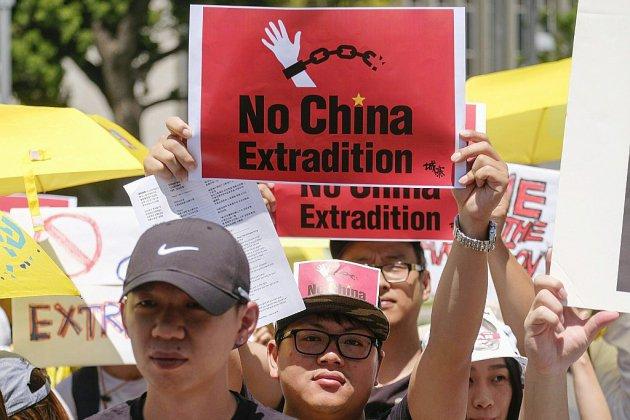 Extraditions: Hong Kong maintient son projet de loi controversé malgré la manifestation