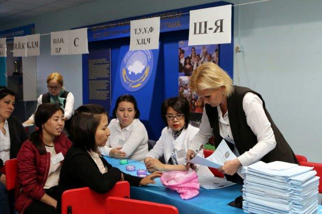 """Présidentielle au Kazakhstan: """"respect insuffisant des normes démocratiques"""", selon les observateurs"""