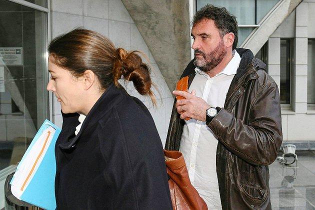 Besançon: le Dr Péchier, soupçonné de 24 empoisonnements, reste en liberté sous contrôle judiciaire