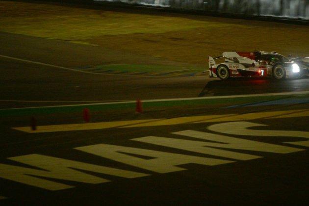 24 Heures du Mans: Toyota toujours devant au lever du soleil