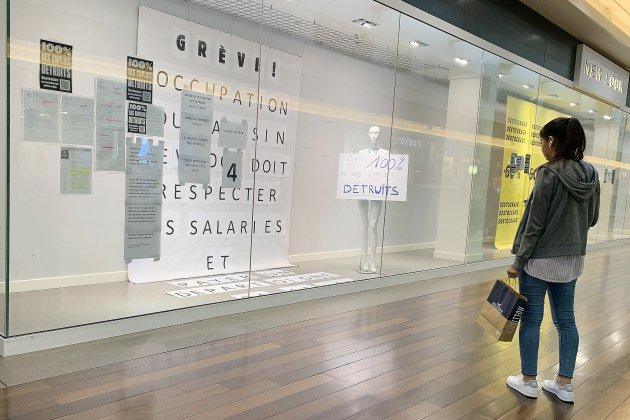 Les salariés du magasin New look à Rouen mobilisés contre la fermeture