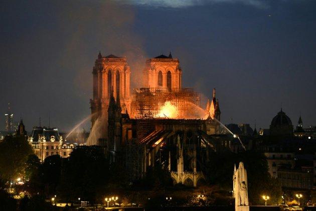 """Notre-Dame: """"aucun élément"""" accréditant une origine criminelle d'après l'enquête préliminaire (parquet de Paris)"""