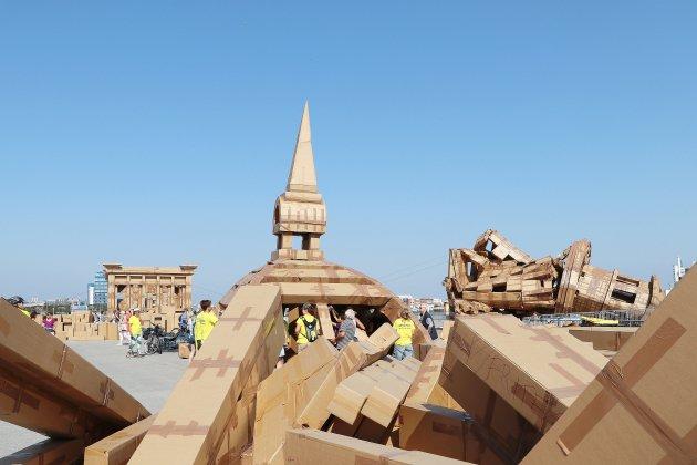 [vidéos] Le Havre: la ville en cartons prend (peu à peu) forme
