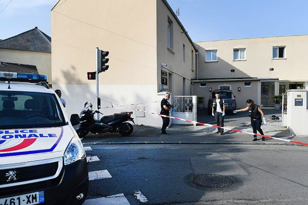 """Tirs devant la mosquée de Brest: pas un """"attentat"""", selon le parquet"""