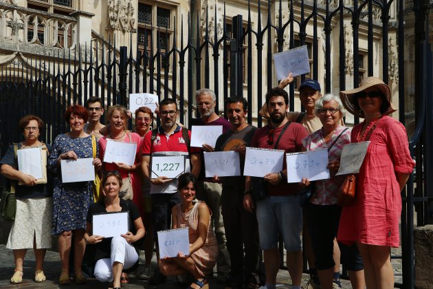 """Glyphosate: des """"pisseurs involontaires"""" portent plainte à Rouen"""