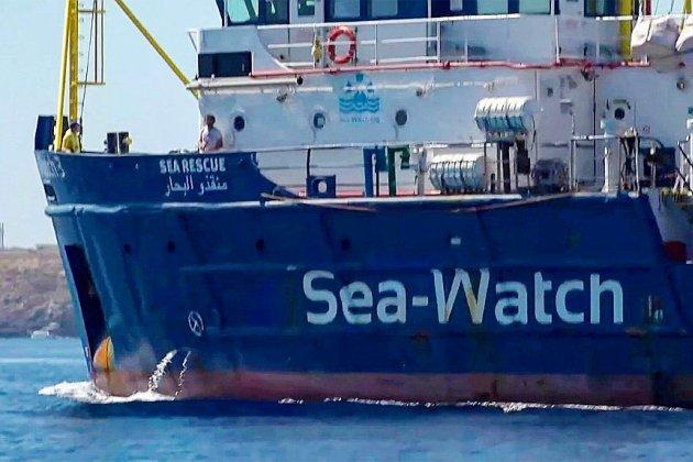 La capitaine du Sea-Watch arrêtée après avoir accosté de force à Lampedusa