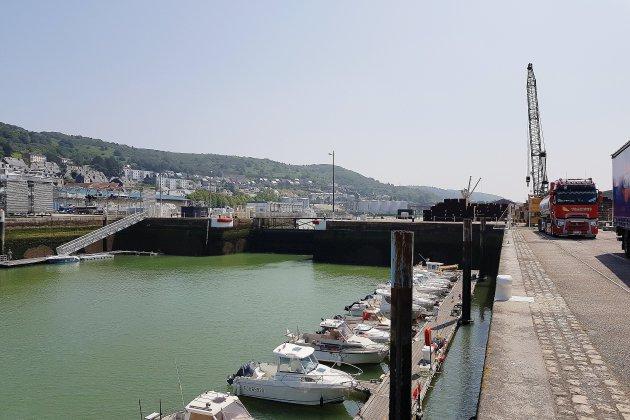 Travaux de modernisation sur le port de Fécamp