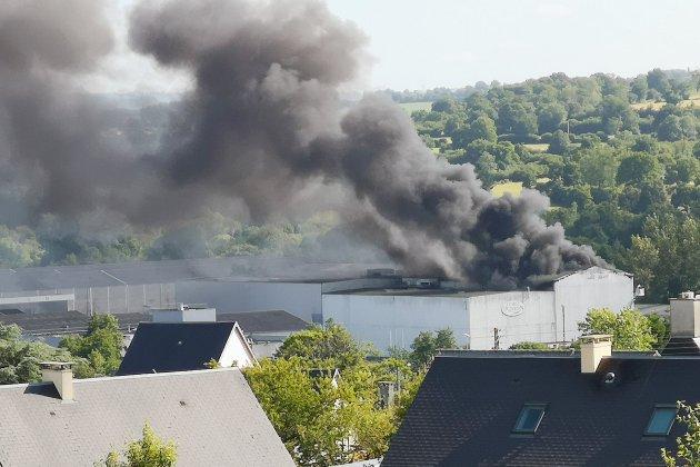 Manche: un violent incendie dans une cidrerie