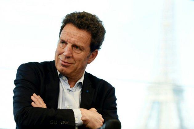 Medef: la réforme adoptée, Roux de Bézieux contre-attaque sur la dette