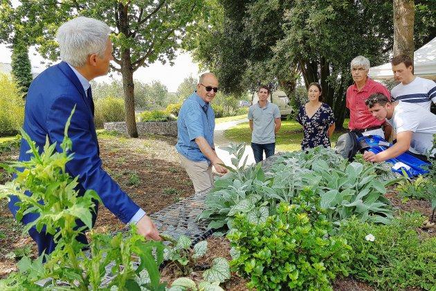 À Caen, un jardin sensoriel adapté aux personnes malvoyantes