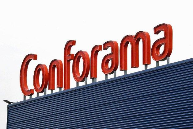 Conforama: la direction confirme le projet de suppression de 1900 postes en France