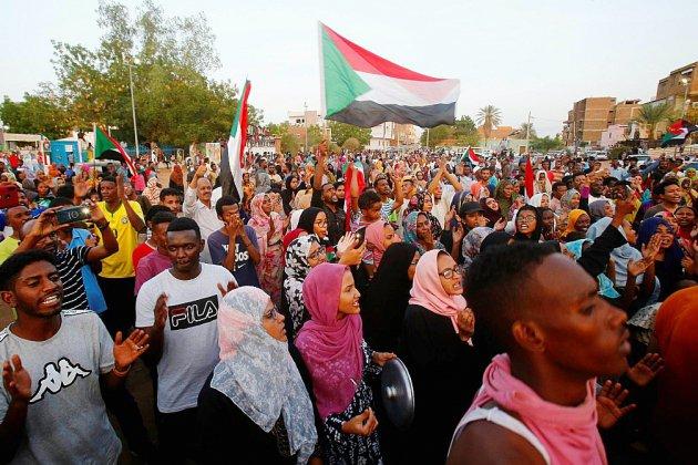 Liesse populaire à Khartoum après un accord entre généraux et contestataires