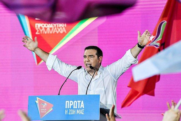 Les Grecs choisissent leur prochain Premier ministre dans la torpeur estivale