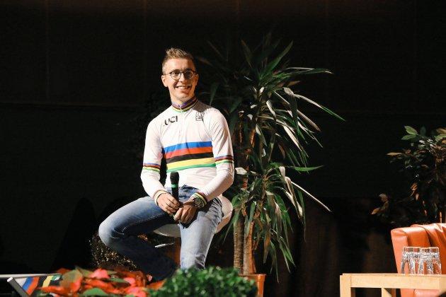 Tour de France: cinq points de suture pour Benoît Cosnefroy