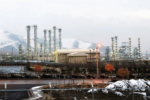 """Nucléaire iranien : un émissaire français vient chercher la """"désescalade"""""""