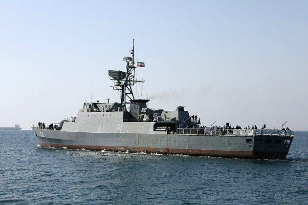 Golfe: des navires iraniens tentent de bloquer un pétrolier britannique, assure Londres
