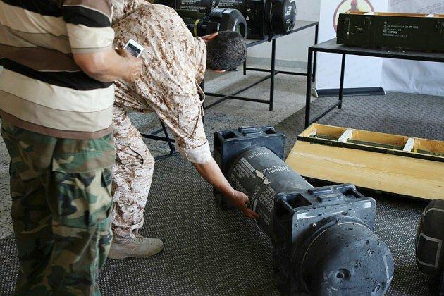 """Missiles de l'armée française en Libye: Tripoli réclame des explications """"urgentes"""" à Paris"""