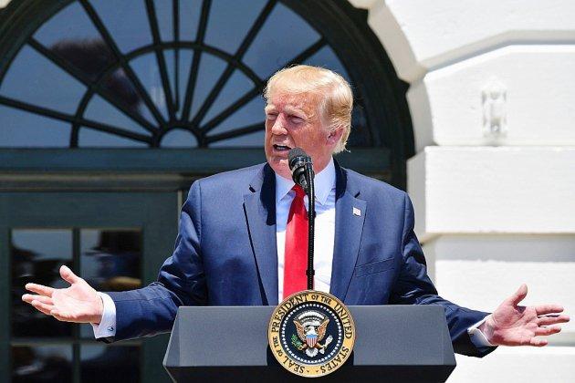 Trump se défend de tout racisme, silence des leaders républicains
