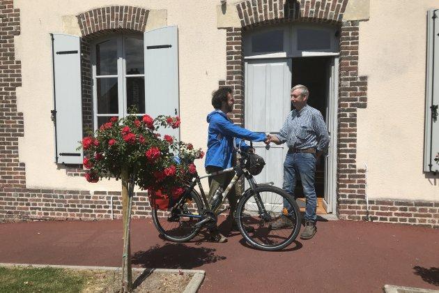 Calvados: à vélo, il rencontre 64 maires pour parler d'écologie