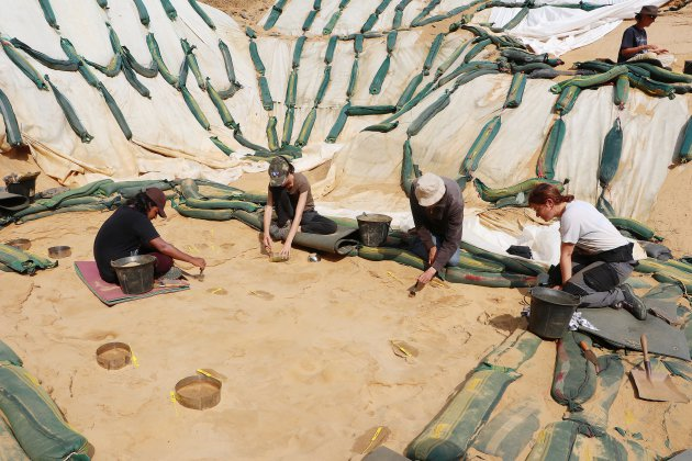 Manche: les fouilleurs du Rozel à la recherche des Hommes deNéandertal