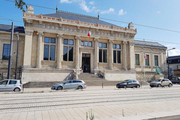 Mort de Steve: le tribunal du Havre tagué