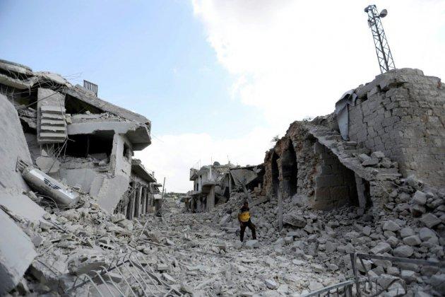 """Syrie: un """"calme prudent"""" règne sur le nord-ouest après l'annonce d'une trêve"""