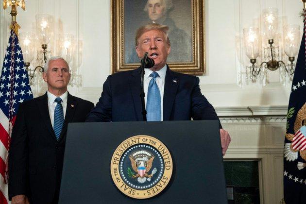 Fusillades: Trump condamne le suprémacisme blanc et reste flou sur les armes