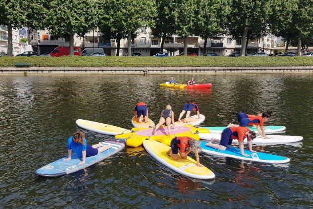 À Caen, pilates et yoga sur du paddle font bon ménage