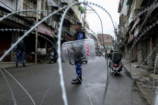 Cachemire: couvre-feu assoupli pour la prière du vendredi