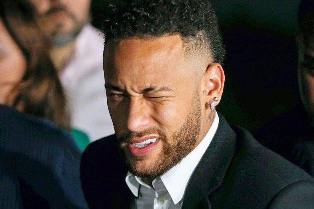 Affaire classée de viol: issue positive pour Neymar, en attendant la fin du mercato