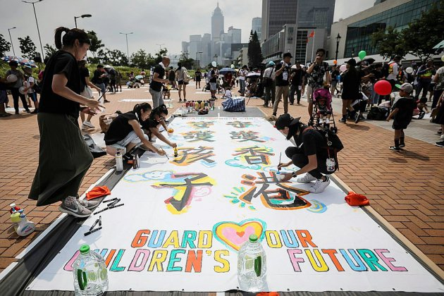 Hong Kong : les manifestants maintiennent la pression, la mobilisation se poursuit