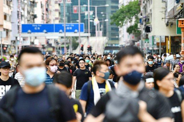 """""""Nous sommes encore là"""": des milliers de militants pro-démocratie toujours mobilisés à Hong Kong"""