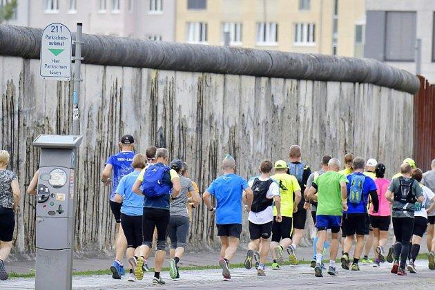 Marathon en l'honneur des victimes du Mur de Berlin, tombé il y a 30 ans