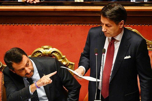 """Italie: Conte annonce sa démission, qualifie Salvini d'""""irresponsable"""""""