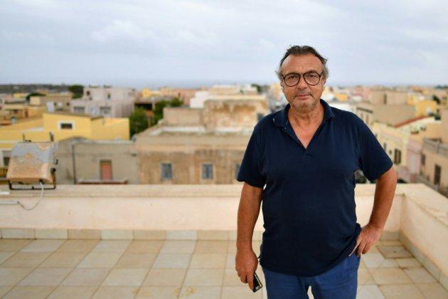 """Accueillir l'Ocean Viking à Lampedusa serait """"difficile, selon le maire de l'île"""