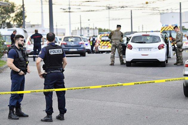 Agression au couteau à Villeurbanne: un mort, huit blessés dont trois graves