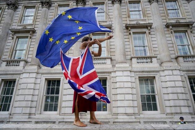Brexit: Michel Barnier reste inflexible avant un bras de fer politique