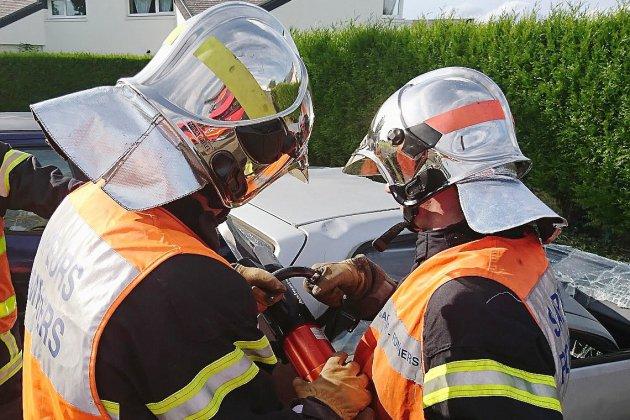 Seine-Maritime: le conducteur d'une voiture gravement blessé dans un choc frontal