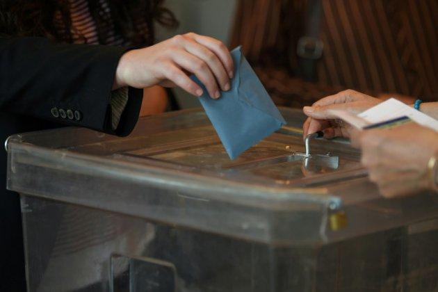 Achat de votes à Corbeil-Essonnes: sept personnes, dont l'actuel maire, renvoyées en correctionnelle