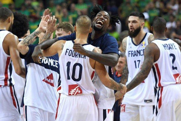 Mondial de basket: Fournier et De Colo envoient la France en quarts au bout du suspense