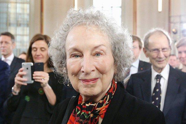 """""""Les Testaments"""": Margaret Atwood révèle la suite de """"La Servante Ecarlate"""""""