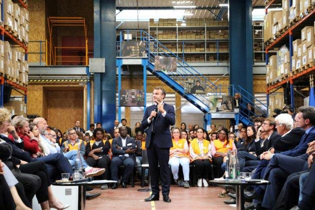 """Macron retrouve l'esprit du """"grand débat"""""""