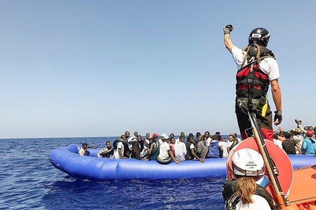 """Migrants: l'Italie pousse à une """"répartition automatique"""" entre Européens"""