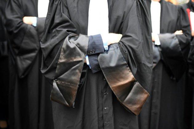 Après la RATP, les avocats: sur les retraites, la parole est à la défiance