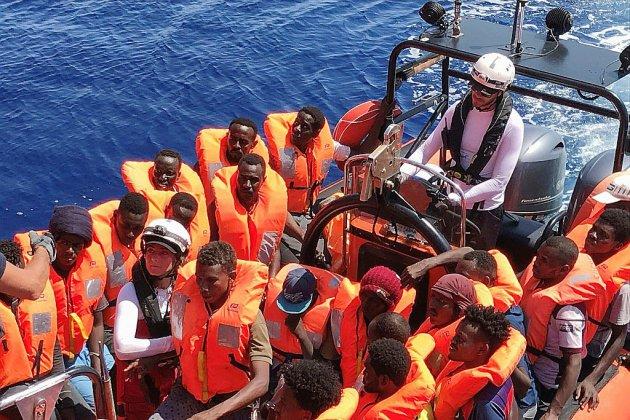 Le nouveau gouvernement italien accepte que l'Ocean Viking débarque les migrants secourus