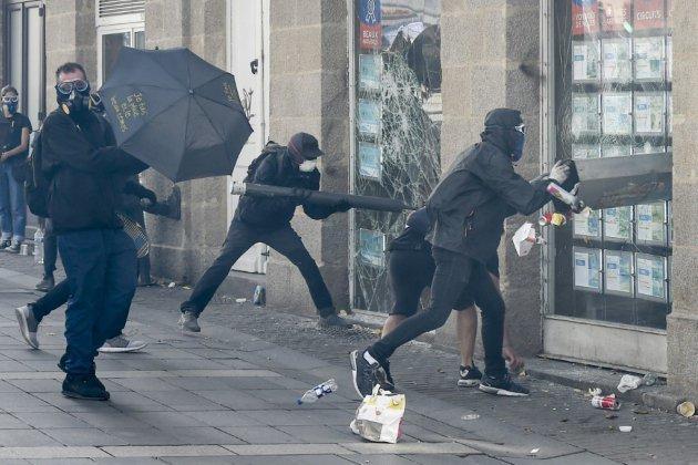 """Acte 44 des """"Gilets jaunes"""": 1.800 manifestants à Nantes, des heurts avec la police"""