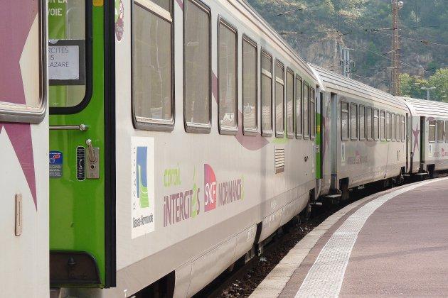 Le trafic des trains interrompu entre Paris et Cherbourg